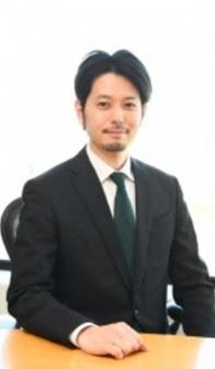 上崎弁護士プロフィール写真