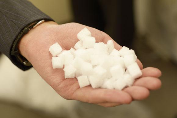 雪ヶ谷化学工業の次代のエース「Y-CUBE」。小さな素材だが、大きな可能性を秘めている