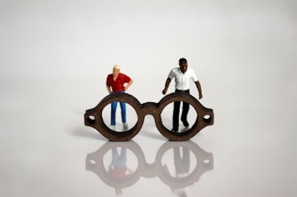 miniature-glasses-and-miniature-people-picture-id1132201757.jpg